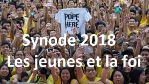 18 janvier 2015 : Des dizaines de milliers de jeunes philippins attendent le pape François à l'université Saint Thomas de Manille,. Manilles, Philippines. DIFFUSION PRESSE UNIQUEMENT.  EDITORIAL USE ONLY. NOT FOR SALE FOR MARKETING OR ADVERTISING. January 18, 2015 : Thousands of Philippine young people at the university Santo Tomas of Manila, Philippines.