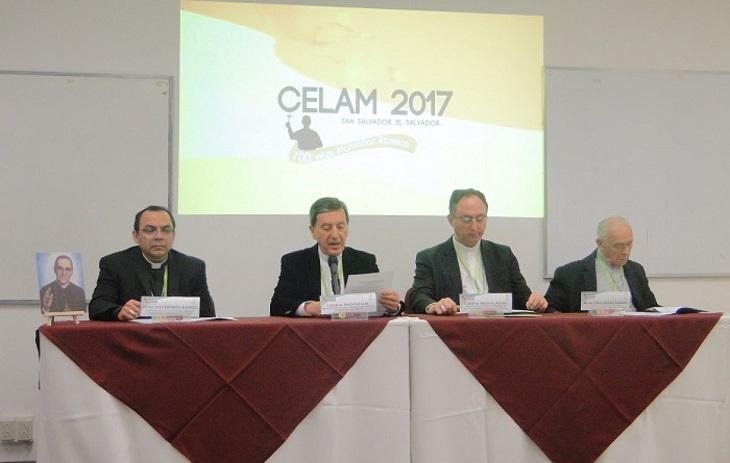 Celam 2017. Une Église pauvre pour les pauvres. Cardinal Salazar, archevêque de Bogota et président du CELAM, lisant le message du pape François